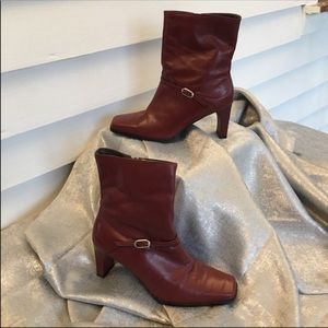 Red leather Mister Shoes ankle boots size 7.5